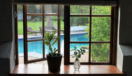 Plettenberg Bay bed and breakfast - Rondawel for family