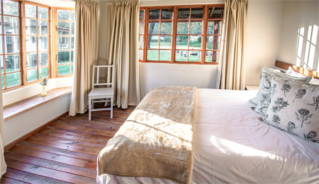 Plettenberg Bay cottages for a family - porcupine