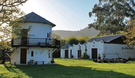 Outside of Silo at Plettenberg Bay bed and breakfast room